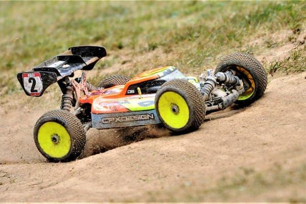 Coche radiocontrol buggy 1/8 competicion